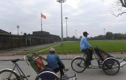 ဗီယက်နမ် အစိုးရကိုဝေဖန်သော တက်ကြွလှုပ်ရှားသူသုံးဦး နှစ်ရှည်ထောင်ဒဏ်များ ချမှတ်ခံရ
