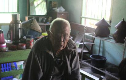 """NLD အောင်ရမည် ကြွေးကြော်လို့ အသက် ၇၄ နှစ်မှာ စစ်ထောက်လှမ်းရေးက အဘကို ဖမ်းဆီးထိန်းသိမ်းခဲ့တယ်"""
