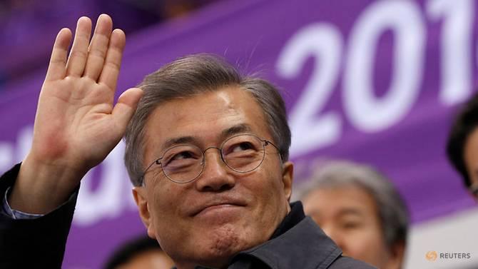 တောင်ကိုရီးယား၊ အမေရိကန်နှင့် မြောက်ကိုရီးယားတို့အကြား သုံးပွင့်ဆိုင်ထိပ်သီးဆွေးနွေးပွဲ လုပ်ဖြစ်နိုင်ခြေရှိဟု မွန်ဂျယ်အင်းပြောကြား